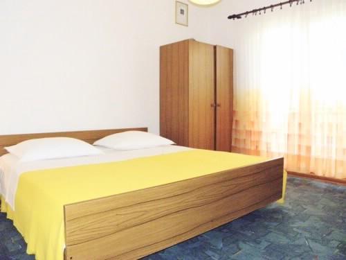 Apartments Nediljka - 14121-A3 - Image 1 - Ivan Dolac - rentals