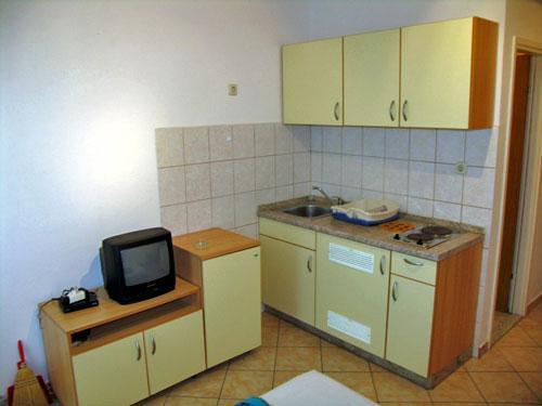 Apartments Mate - 21701-A5 - Image 1 - Biograd - rentals