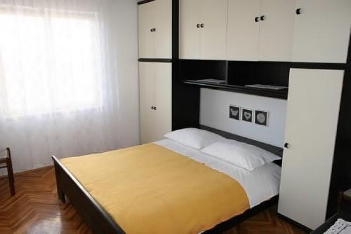 Apartments and Rooms Nada - 21941-S4 - Image 1 - Novalja - rentals