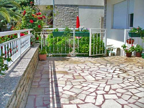 Apartments Duška - 22362-A2 - Image 1 - Brodarica - rentals