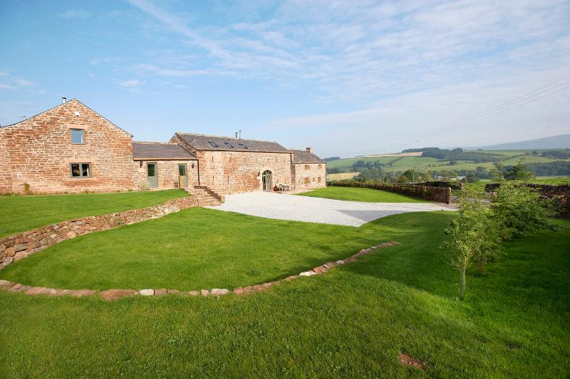 Glassonby Hall has amazing views over the Eden Valley and up into the Pennine Fells - Glassonby Old Hall - Lake District - rentals