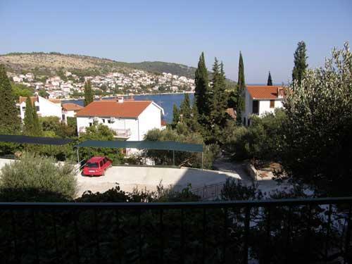 Apartments Slobodan - 31391-A2 - Image 1 - Okrug Gornji - rentals