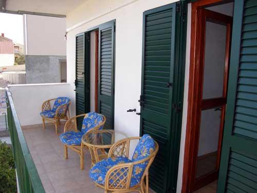 Apartments Slobodan - 31391-A3 - Image 1 - Okrug Gornji - rentals