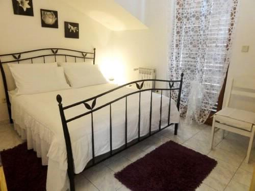 Apartments Gorana - 31841-A2 - Image 1 - Jelsa - rentals