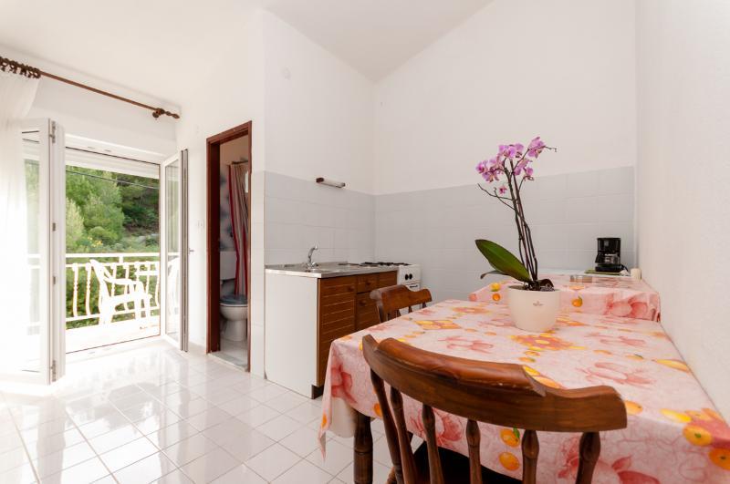 Apartments Roza - 31861-A1 - Image 1 - Duce - rentals