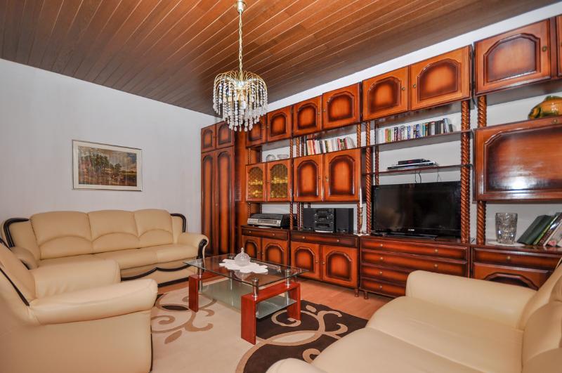 Apartment and Rooms Tatjana - 32621-A1 - Image 1 - Omis - rentals