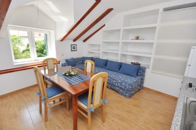 Apartments Sandra - 34531-A2 - Image 1 - Supetar - rentals