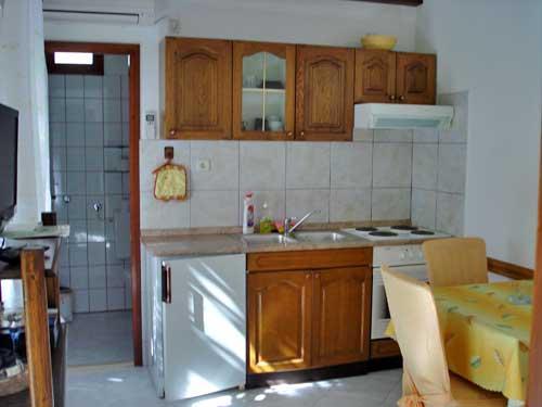 Apartments Vojka - 34581-A1 - Image 1 - Milna - rentals