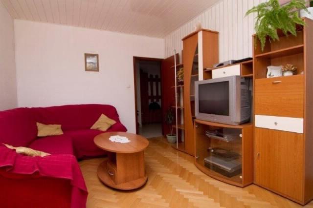 Apartments Rozarija - 36751-A1 - Image 1 - Brela - rentals