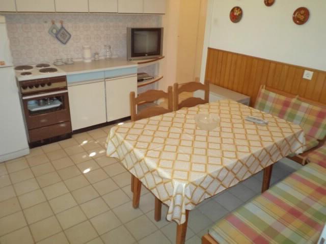 Apartments File - 38021-A1 - Image 1 - Makarska - rentals