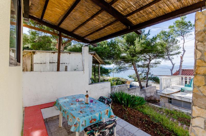 House Slišković - 38792-K1 - Image 1 - Rogac - rentals