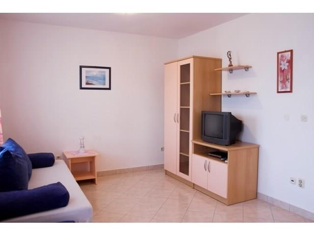 Apartments Seka - 39781-A2 - Image 1 - Arbanija - rentals