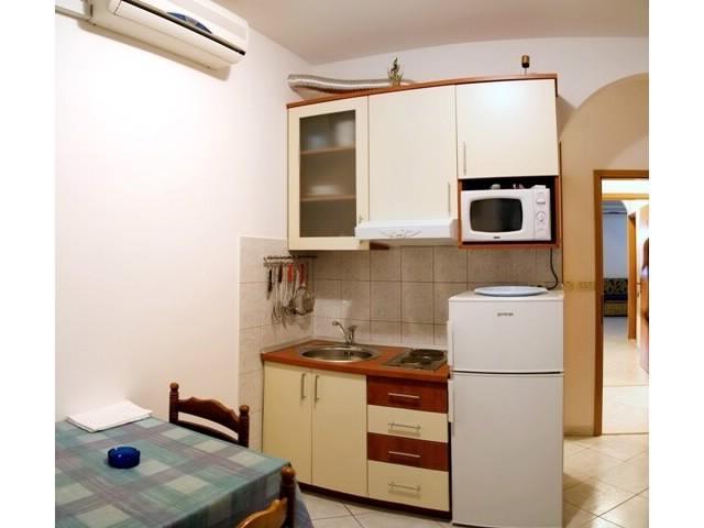 Apartments Seka - 39781-A4 - Image 1 - Arbanija - rentals