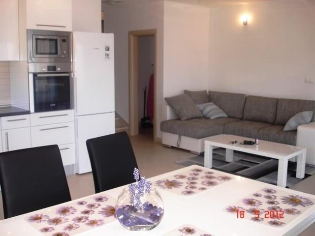 Apartments Goran - 39971-A2 - Image 1 - Okrug Gornji - rentals