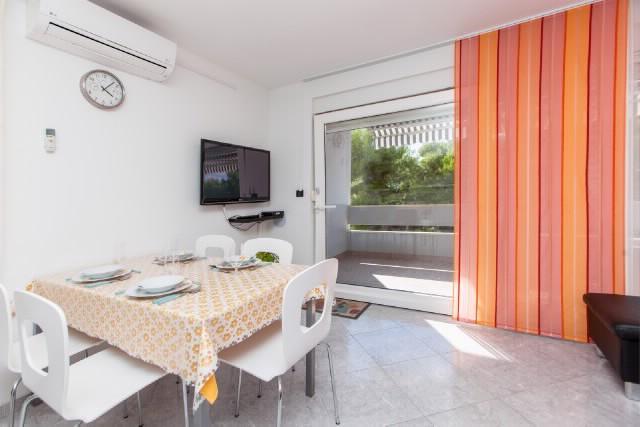Apartments Bruna - 42471-A1 - Image 1 - Podstrana - rentals