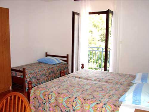 Apartments Kuzma - 50191-A1 - Image 1 - Prigradica - rentals