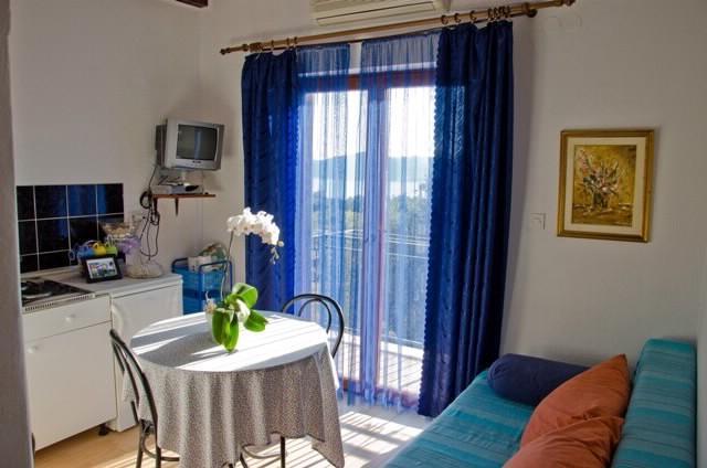 Apartments and Rooms Elena - 52191-A1 - Image 1 - Trsteno - rentals
