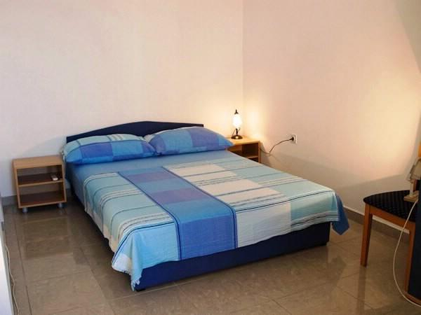 Apartments and Rooms Florijan - 52371-S2 - Image 1 - Komarna - rentals
