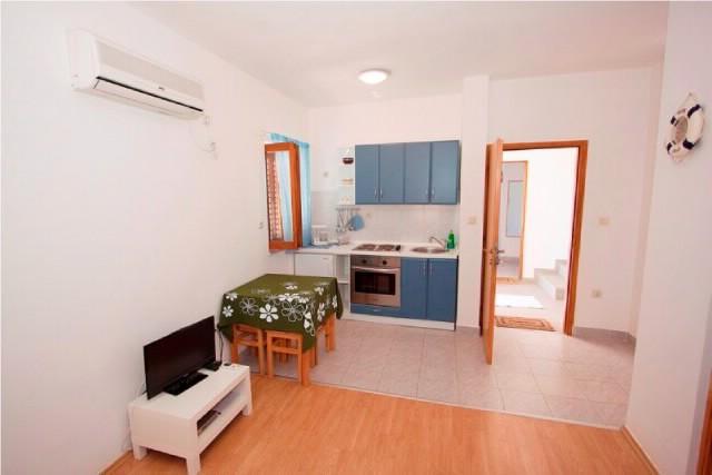 Apartments Nikolina - 60721-A2 - Image 1 - Banjol - rentals