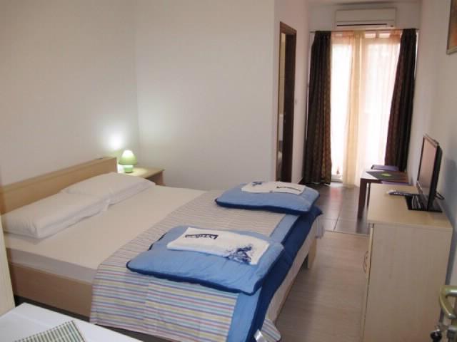 Rooms Nevenka - 68291-S1 - Image 1 - Malinska - rentals