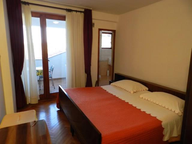 Apartment and Rooms Valter - 72671-S1 - Image 1 - Novigrad - rentals