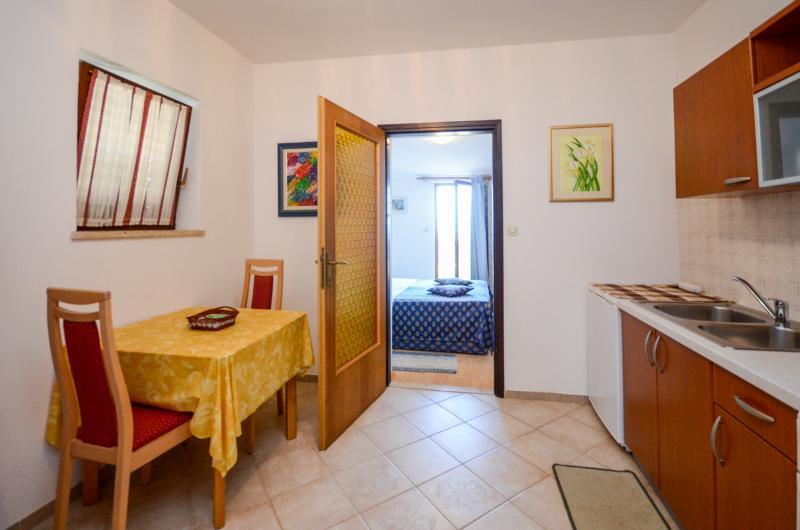 Apartments and Room Livio - 72961-A3 - Image 1 - Premantura - rentals