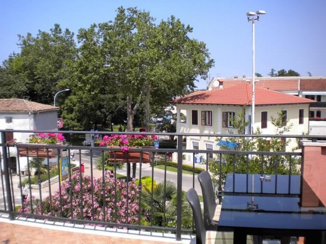 Apartments Tajana - 73221-A1 - Image 1 - Novigrad - rentals
