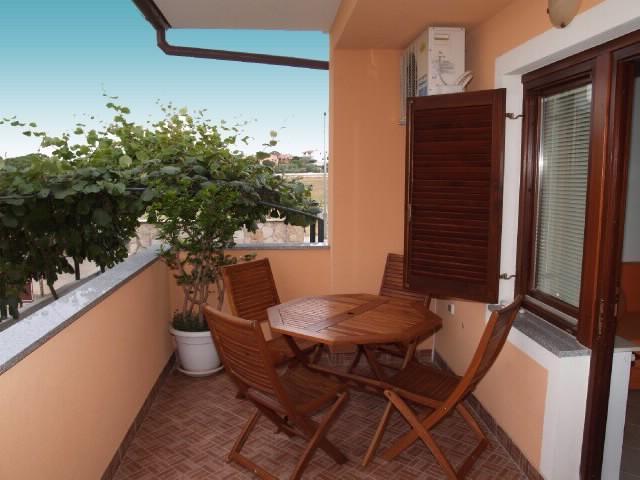Apartments Miodrag - 75241-A1 - Image 1 - Peroj - rentals