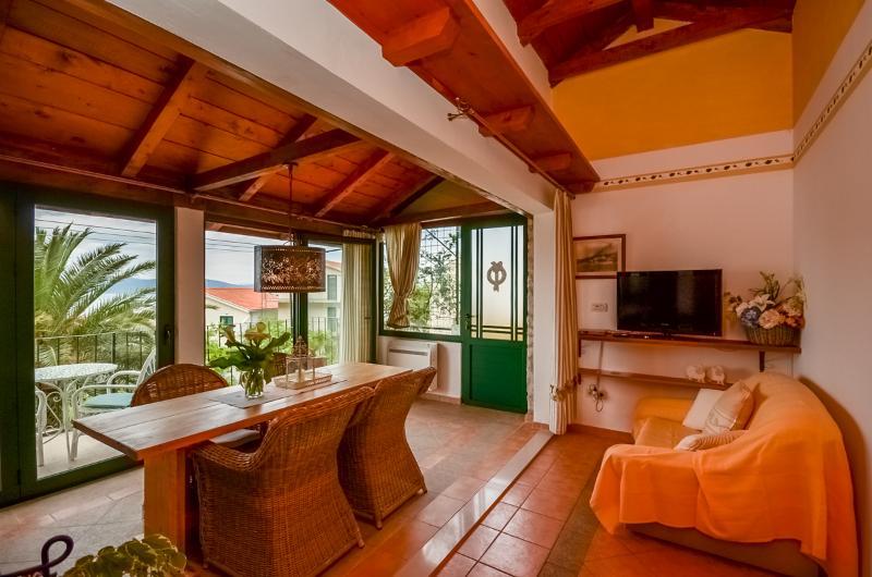 Apartments Vedrana - 30122-A1 - Image 1 - Igrane - rentals