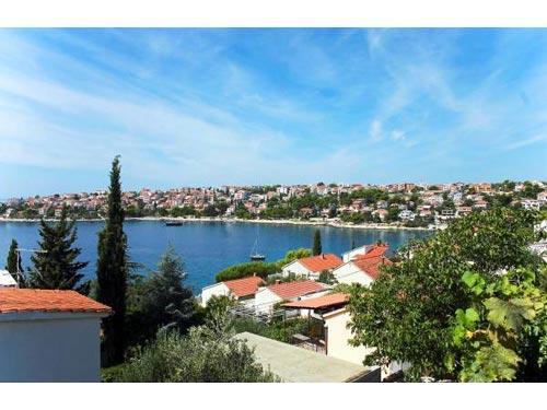 Apartments Maja - 30881-A1 - Image 1 - Okrug Gornji - rentals