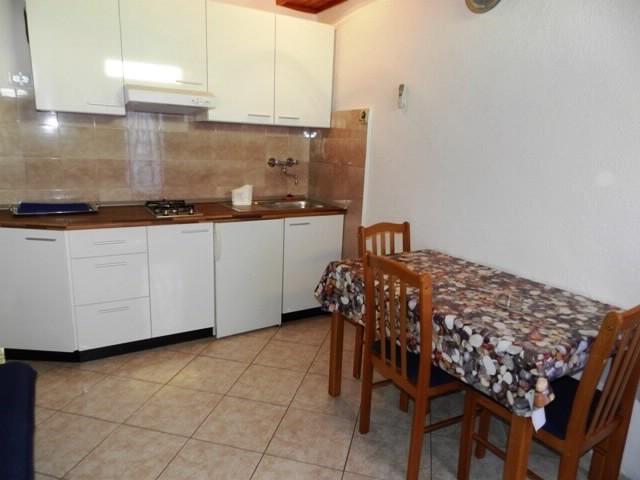 Apartments Josip - 31821-A3 - Image 1 - Makarska - rentals
