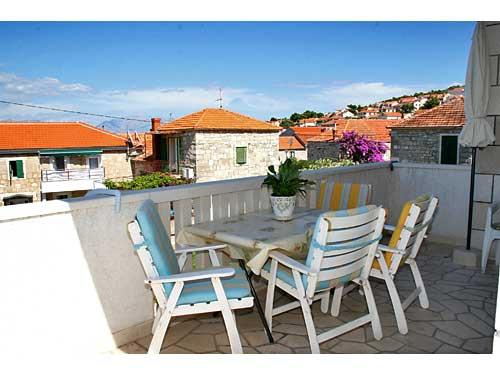 Apartments Ante - 34521-A1 - Image 1 - Postira - rentals