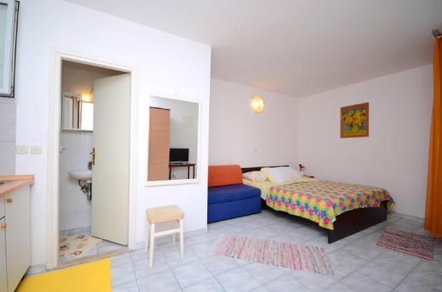 Apartments Lidija - 37411-A2 - Image 1 - Makarska - rentals