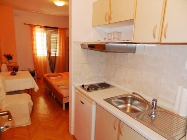 Apartments Branko - 37451-A1 - Image 1 - Makarska - rentals