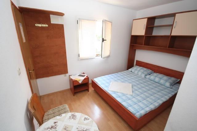 Apartments Stjepan - 38411-A2 - Image 1 - Stari Grad - rentals