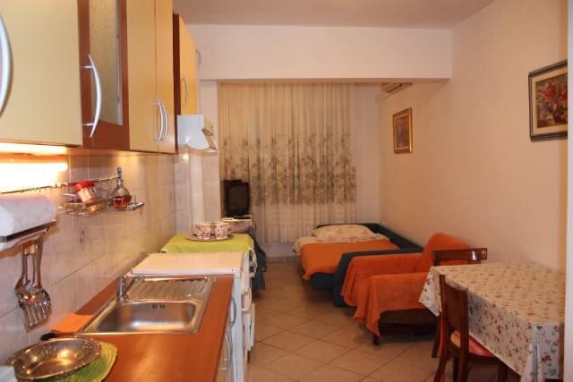 Apartments Davorka - 38421-A3 - Image 1 - Gdinj - rentals