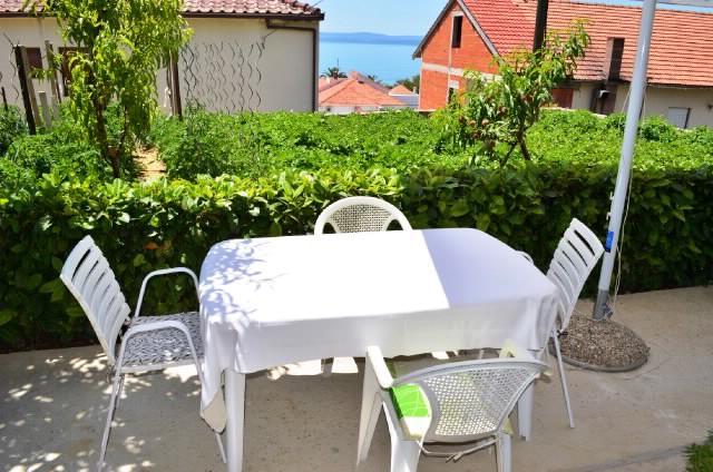 Apartments Vinka - 38821-A2 - Image 1 - Podstrana - rentals