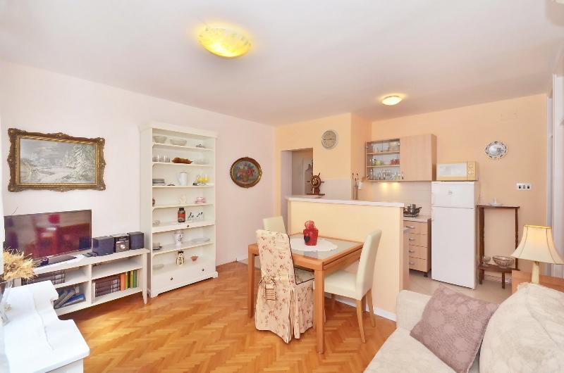 Apartments Zoran - 38951-A2 - Image 1 - Split - rentals