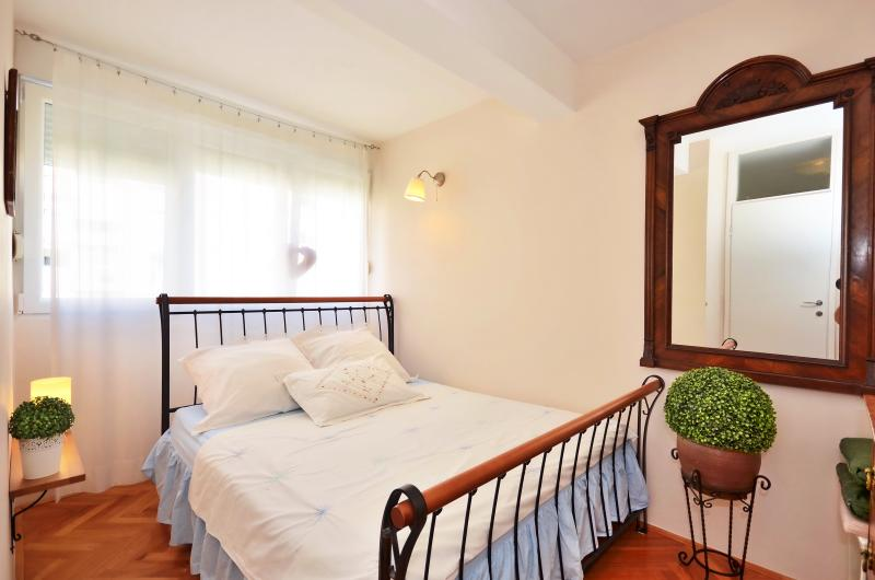 Apartments Zoran - 38951-A1 - Image 1 - Split - rentals