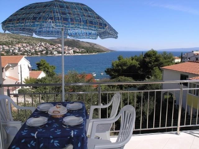 Apartments Marinko - 39731-A1 - Image 1 - Okrug Gornji - rentals