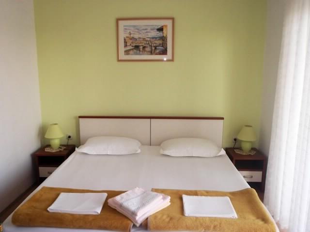 Apartments Lina - 39761-A1 - Image 1 - Hvar - rentals