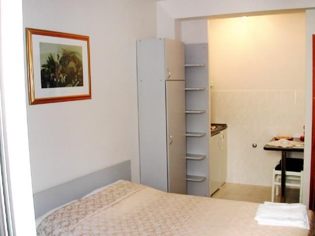 Apartments Toni - 41151-A2 - Image 1 - Komiza - rentals