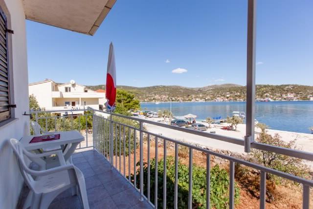 Apartments Jerko - 41601-A1 - Image 1 - Vinisce - rentals