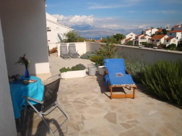 Apartments Silva - 42921-A1 - Image 1 - Sutivan - rentals