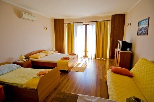 Apartments Marko - 52151-A2 - Image 1 - Orasac - rentals