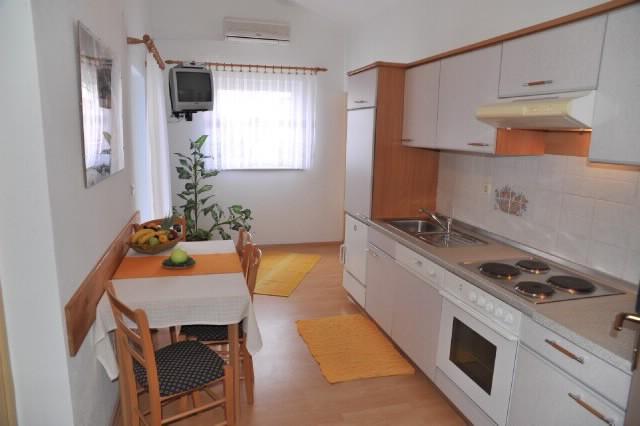 Apartments Damir - 60581-A4 - Image 1 - Barbat - rentals