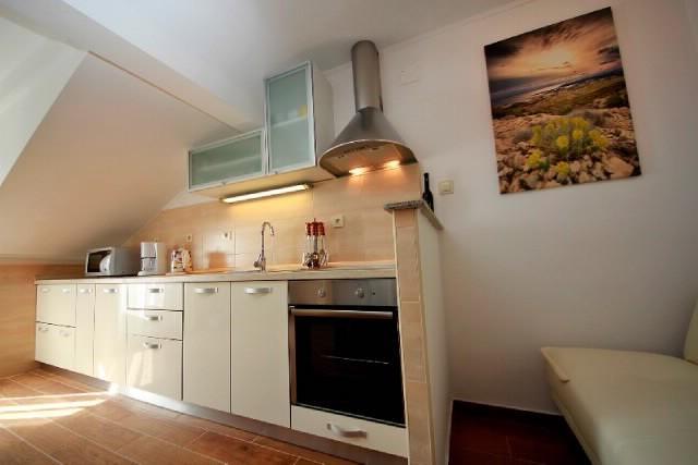 Apartments Ljubica - 65341-A3 - Image 1 - Kampor - rentals