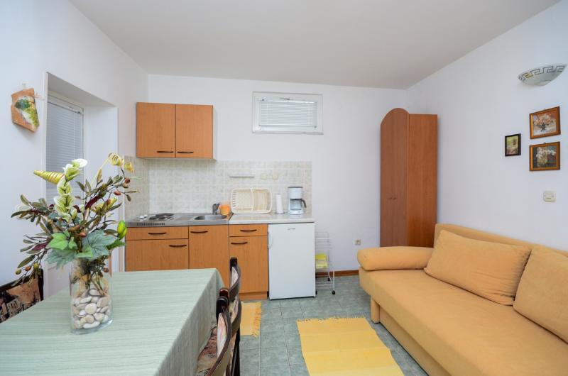 Apartments Marija - 65701-A2 - Image 1 - Banjol - rentals