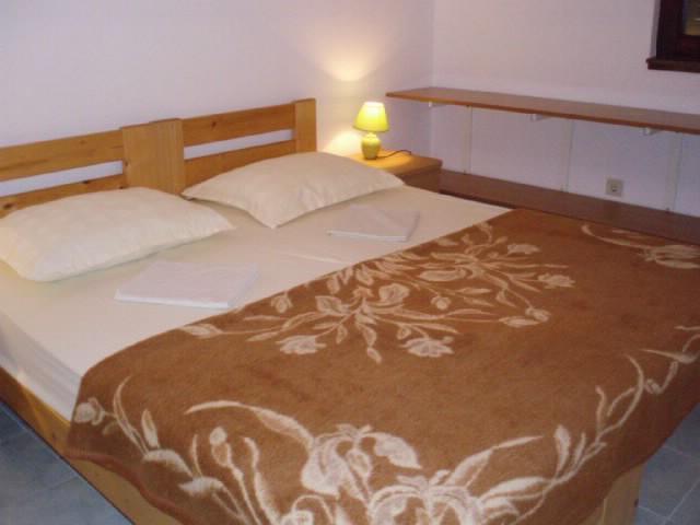 Apartments Tomo - 67141-A3 - Image 1 - Supetarska Draga - rentals