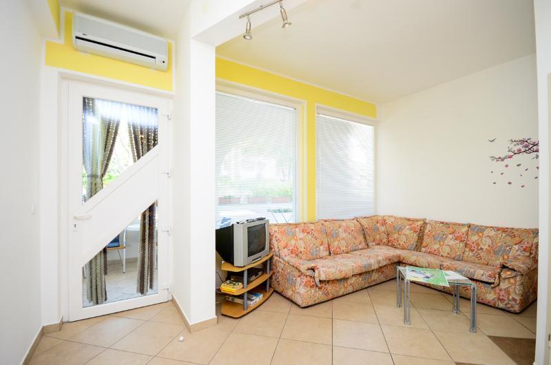 Apartments Nenad - 68741-A1 - Image 1 - Baska - rentals